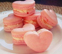Heart shaped Macaroon (12)